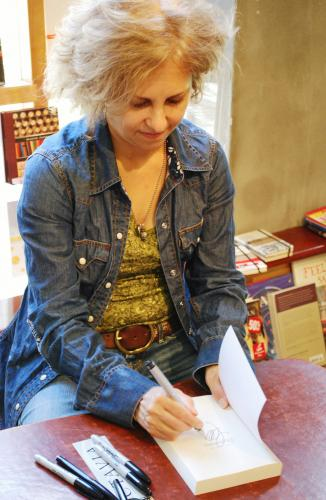 Kate DiCamillo, photo by Tom Lowenburg